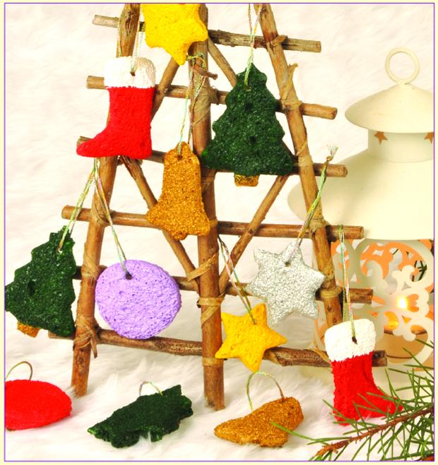 Christmas decorations from sliced bread